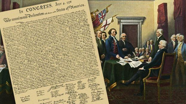 Seorang pria menemukan naskah Deklarasi Kemerdekaan tahun 1920 di sebuah toko barang bekas. (Getty Images)