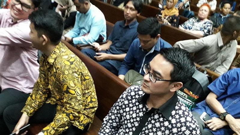Zumi Zola saat menjalani sidang vonis di Pengadilan Tipikor Jakarta Kamis (6/12/2018). (Foto : Arie Dwi Satrio/Okezone)