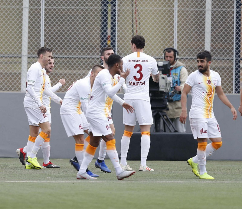 Galatasaray sat berhadapan dengan Keciorengucu. Foto: Getty Images