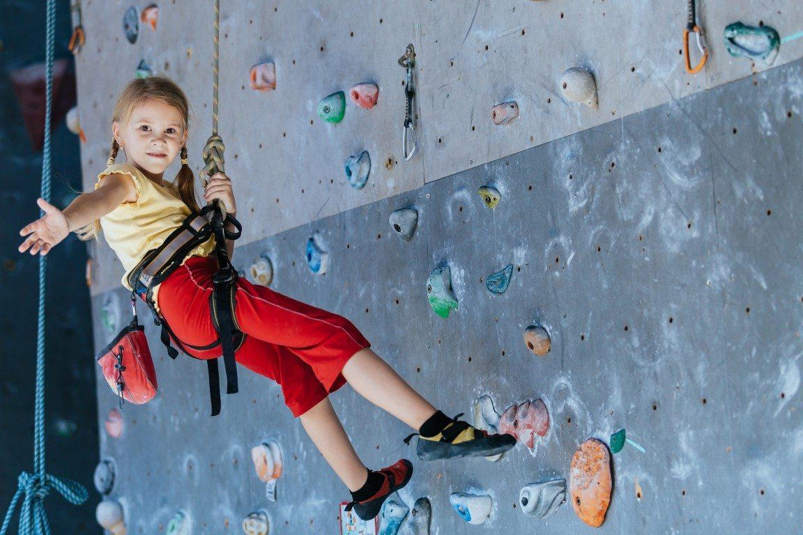 Sejak Usia 6 Tahun Anak Sudah Bisa Olahraga Panjat Tebing Okezone Travel