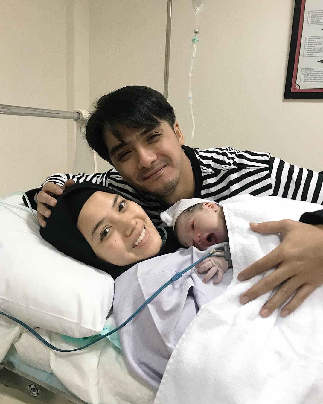 Ricky Harun, Herfiza Nofianti, dan anak