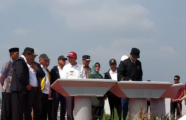 Jokowi resmikan Tol Trans Jawa
