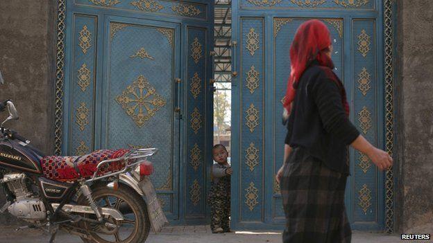 Ekonomi Xinjiang Berpusat pada Pertanian dan Perdagangan (foto: Reuters/BBC Indonesia)