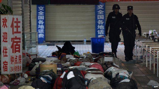 China Menuding Kaum Separatis Xinjiang sebagai Pelaku Serangan Brutal di Stasiun Kumming pada Maret 2014 (foto: AFP/BBC Indonesia)