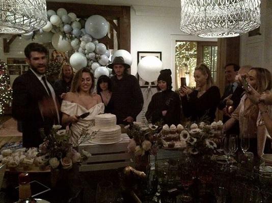 Pernikahan Liam Hemsworth dan Miley Cyrus