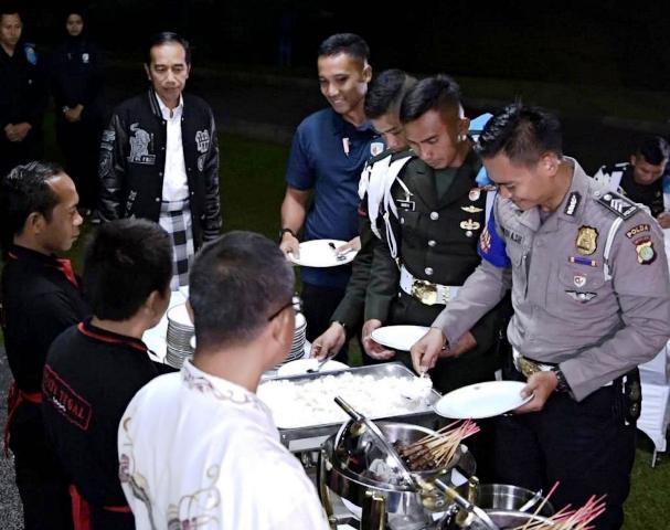 Jokowi tahun baru di Istana Bogor. (Foto: Kris/Biro Pers Setpres)