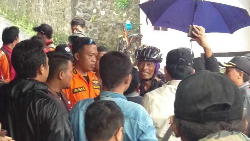Bambang Santoso, Guru SD yang Sempat Tersesat di Gunung Lawu (foto: Bramantyo/Okezone)