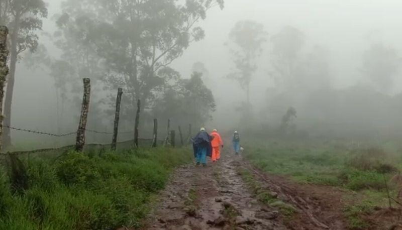 Tim SAR gabungan Mencari Dua Pendaki yang Tersesat di Gunung Bawakaraeng (foto: Herman/Okezone)