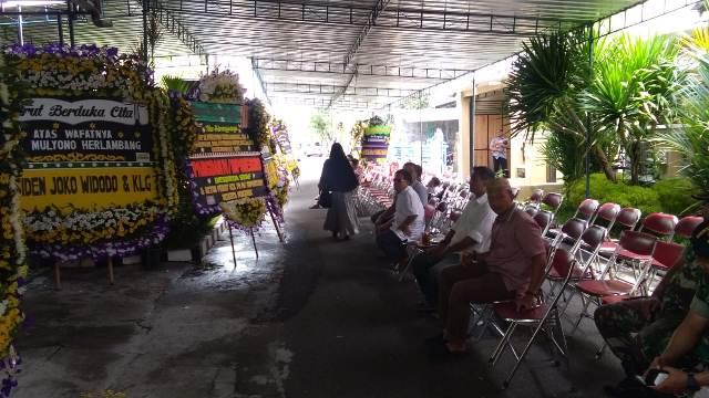Suasana di rumah duka Mulyono Herlambang, paman Jokowi di Sukoharjo, Jawa Tengah (Foto: Bramantyo)