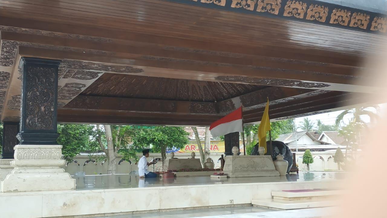 Jokowi ziarah ke makam Bung Karno