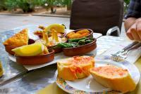 Menu Makan Siang Pegawai Kantoran di 5 Negara, Orang Spanyol Suka Makan Tapas Daging!