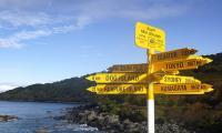 Terlalu! Puluhan Ribu Turis Tertipu Papan Penunjuk Arah