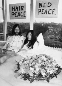 Begini Kondisi Kamar John Lennon dan Yoko Ono Bikin Kampanye Perdamaian saat Ini