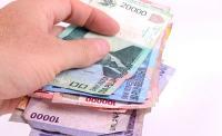 Tertekan Lagi, Rupiah Melemah ke Rp13.513/USD