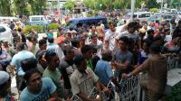 Imbas Kisruh Taksi <i>Online</i> di Balikpapan, Sopir Angkot Demo Lagi hingga Penumpang Ditelantarkan