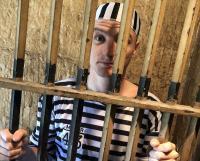 Tampil Layaknya Aktor Film <i>Action</i> di Video Promosi GP Australia, Jack Miller dan Alex Rins Kabur dari Penjara!