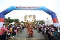 Hadir Meriah, Kepri Carnival Beri Warna Tersendiri dalam Festival Bahari Kepri 2017