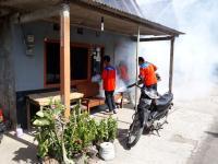 Warga Kena DBD, Rescue Perindo DIY Sigap Lakukan <i>Fogging</i> di Desa Genjahan