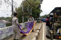 Duh! Usai Insiden Panglima TNI Ditolak AS, Beredar Spanduk Provokatif 'Pulangkan WN Amerika'