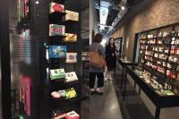 BACKPACKER DIARY: 5 Hal Unik di Museum Kosmetik Korea Selatan, Potret Seragam Pekerja Masa Lampau Jadi Daya Tarik