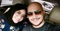 <i>Asyik</i>, Husein Alatas dan Istri Berencana Bulan Madu ke Pantai Tahun Depan