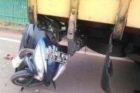 Tabrak Truk Sampah yang Sedang Parkir, Ibu Dua Anak Tewas Seketika di Serpong