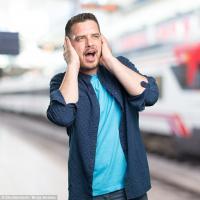 Alasan Orangtua Zaman Dahulu Wajibkan Anaknya Tutup 'Kuping' ketika Kereta Lewat, Ini Kata Pakar!