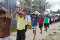 378 Pencari Suaka yang Berada di Pulau Manus Dipindahkan Secara Paksa