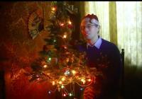 Lampu Natal Ini Masih Menyala Meski Sudah Berusia 48 Tahun