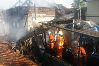 Kebakaran Hanguskan 3 Kios, Penyebab Diduga dari Api Pembakaran Sampah