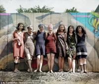 Menengok Pakaian Renang Jadul dan Tertutup di Era 1920-an