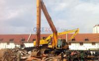 Mencekam, Ratusan Karyawan Hotel di Padang Hadang Eksekusi Lahan