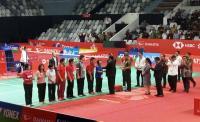 Resmikan Istora Senayan, Jokowi Bagi-Bagi Raket ke Atlet Badminton