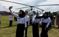 Helikopter Menteri Pertanian Jadi Rebutan Swafoto Warga Demak