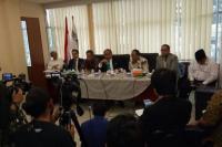Ratusan Advokat Dampingi Firman Wijaya Hadapi Laporan SBY