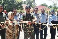 Panglima TNI Resmikan Masjid dan Monumen Helikopter di Bogor