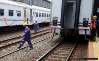 Banjir Landa Pasuruan, Operasional Kereta Api Masih Normal