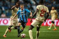 Arthur Akui Dapat Saran dari Coutinho dan Paulinho untuk Gabung ke Barcelona