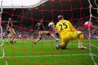 """5 Gol """"Terkotor"""" di Sepanjang Sejarah Sepakbola"""