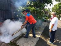 Rescue Perindo Fogging Ratusan Rumah di Ciputat Timur