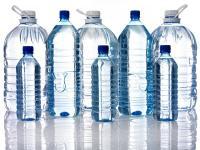 Aqua Angkat Bicara Terkait Isu Mikroplastik dalam Air Botol Kemasan