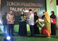 Peduli Kaum Perempuan, Gus Ipul Dapat Aisyiyah Awards 2018
