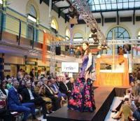 Batik, Tenun dan Kebaya Rancangan Desainer Indonesia Curi Perhatian di Beauty Contest Hungaria