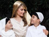 Gaya Hijab Dadakan Selebritis di Bulan Ramadan, dari Chika Jessica hingga Cinta Laura
