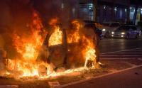 Mobil BMW Terbakar di Tol Warakas, Lalin Tersendat