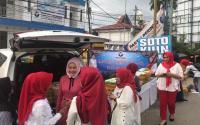 Kartini Perindo Kalsel Bagikan 500 Takjil, dalam Tempo 30 Menit Ludes