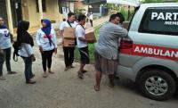 Jalan Kaki Tembus Banjir Rob Pekalongan, Perindo Beri Bantuan