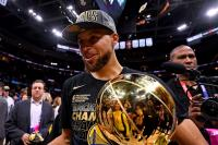 Stephen Curry Tak Sangka Golden State Warriors Menang Telak atas Cavaliers