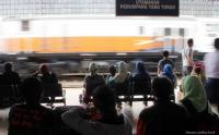 Arus Mudik Masih Berlangsung di Stasiun Madiun pada Hari Kedua Lebaran