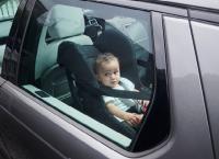 Risiko Tinggalkan Anak dalam Mobil meski Sebentar